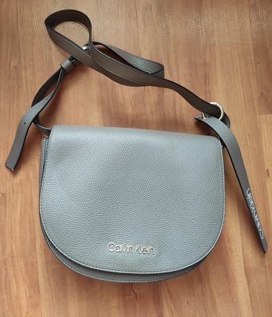 Nowa torebka listonoszka Calvin Klein w kolorze szarym fason saddle