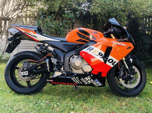 Honda CBR 600RR PC37