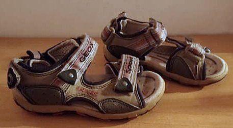 GEOX Sandały Skóra Naturalna dla chłopca lekkie Oryginalne Stan BDB+27