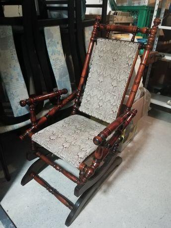 Fotel bujany na sprężynach