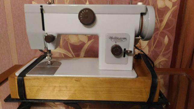 Продам швейную машинку Чайка 134