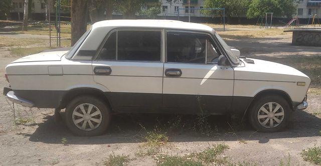 Автомобіль ВАЗ 21033