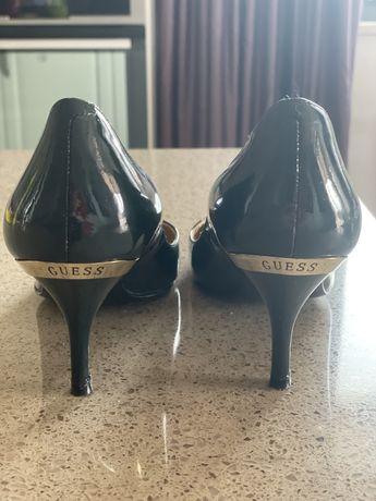 Лакированные туфли Guess. Размер 38 1/2