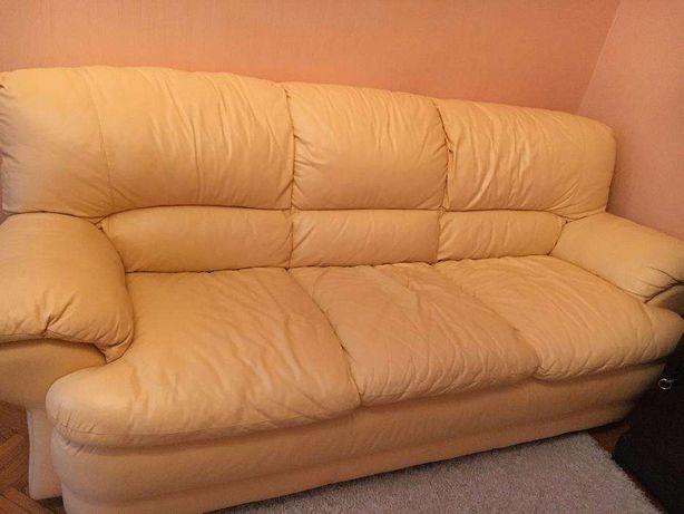 Кожаный комплект диван + два кресла (одно раскладывается)
