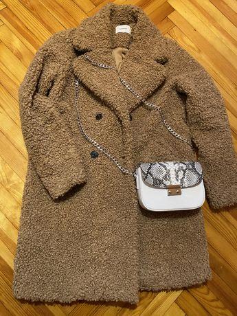 Пальто из искусственного меха Reserved