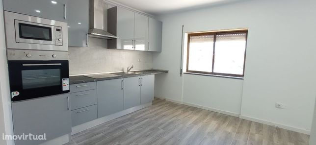 Apartamento T2 com Arrecadação - Setúbal