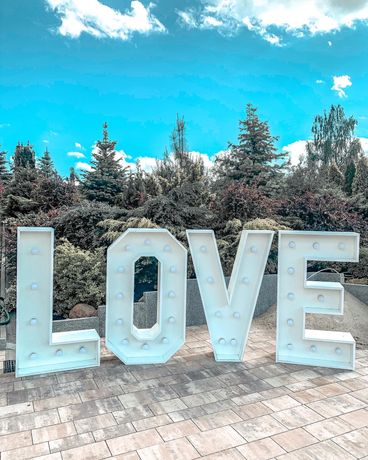 Ledowy napis LOVE
