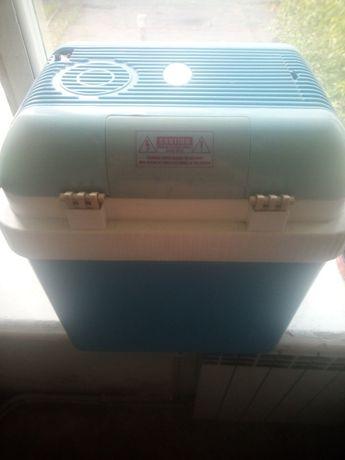 Продам холодильник для автомобиля.
