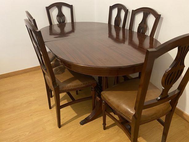 Mesa e cadeiras como novas