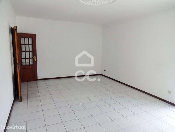Apartamento T3 com Garagem_Centro