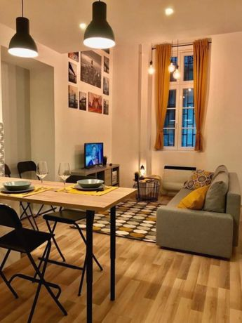 Art apartment in historical center