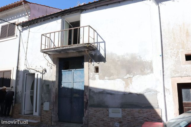 Moradia Semi remodelada , Zona Histórica da Redinha