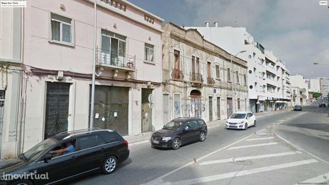 Prédio com Projecto Aprovado, Faro