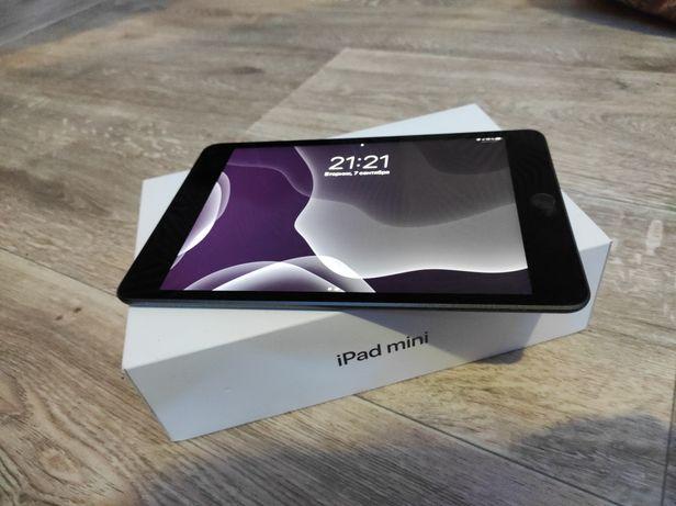 Продам iPad mini 5 (64 Гб) полный комплект + Чехол (в подарок)