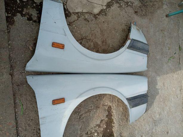 Крылья Мазда 626 Старенькая 80 х годов Mazda 626