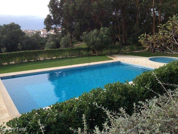 Magnifica Moradia inserida em condomínio privado com 1,5 ...