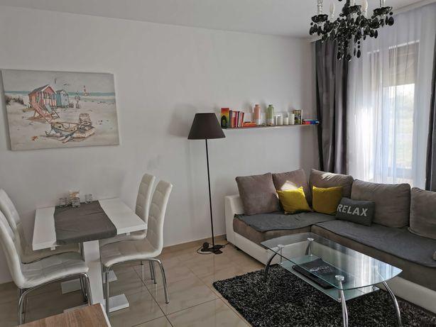 Apartament: salon z sypialnią dla 4 osób, blisko morza