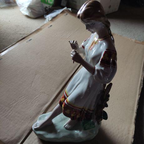 Figurka porcelana
