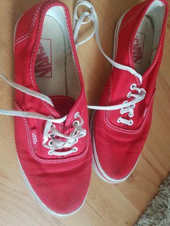 Czerwone trampki damskie vans