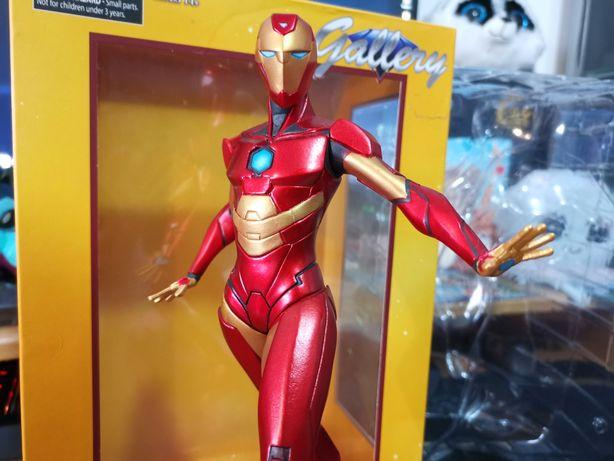 Iron Heart (Diamond Select Toys)