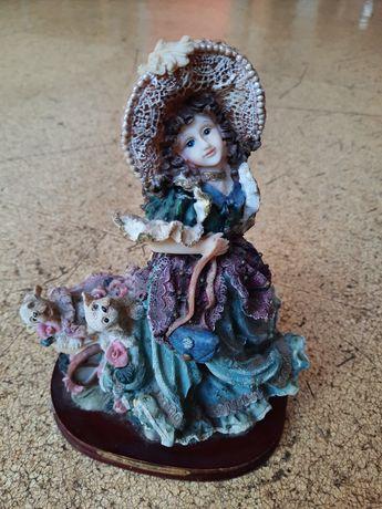 Linda boneca biblou