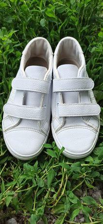 Кеды, кроссовки белые кожа 22.5см 35размер