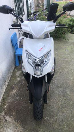 Moto Scooter  50Cc 2018 kenos