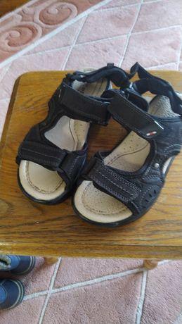 Дитяче взуття 35 розмір
