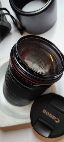 Продам Canon EF 135mm f/2.0 L USM