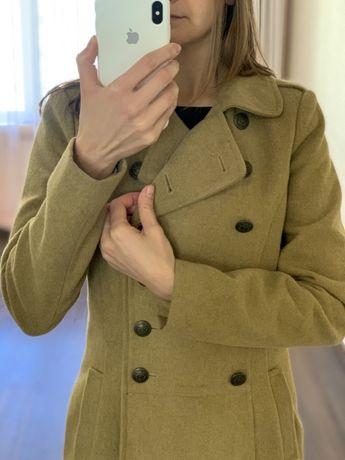 Пальто пиджак горчичного цвета