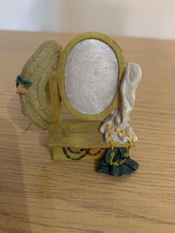 Figurka kolekcjonerska-lustro