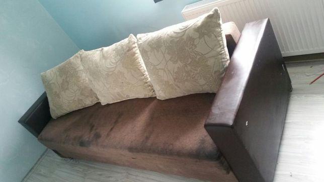 Sofa -boki z ekoskóry, poduchy