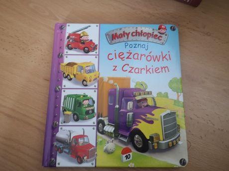 Mały chłopiec - poznaj ciężarówki z czarnkiem