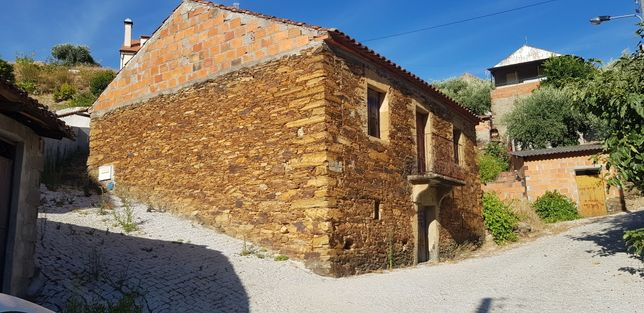Casa para restauro completo Rochas de Baixo