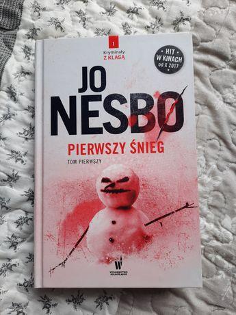 """Jo Nesbo """"Pierwszy śnieg"""" tom I"""