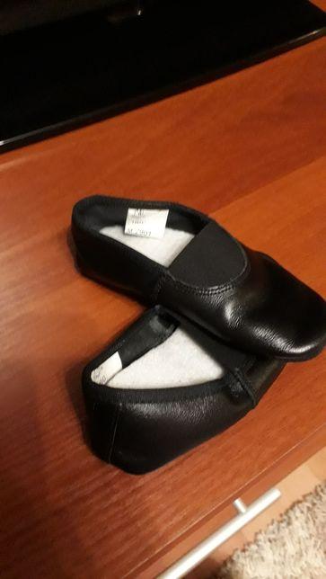 Детская обувь на возраст 2-4 года