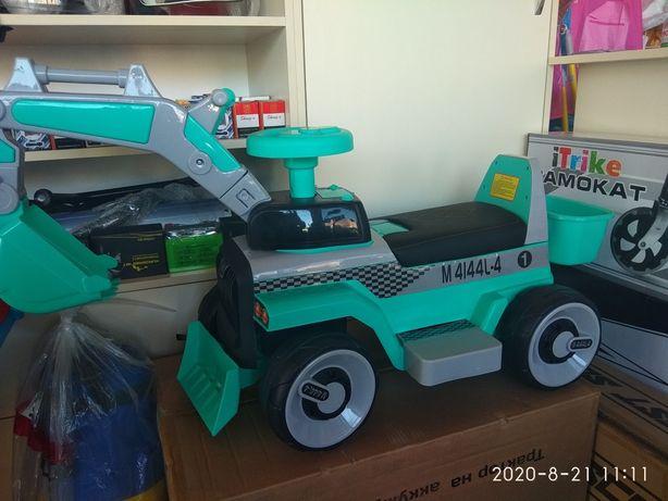 Трактор 2 в 1 (толокар)