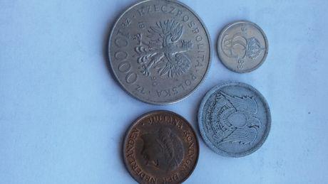 Przecena 10 ore szwecja,5 cent 1977, 10000 złoty 1990,5 millimes egipt