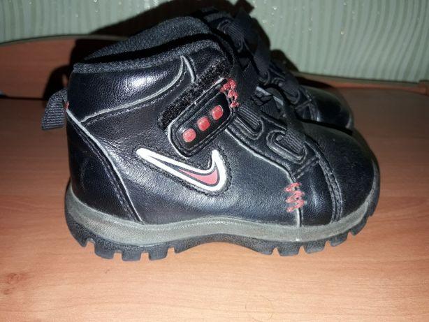 Ботинки, кроссовки Nike