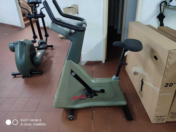 Bicicleta ginástica Life Fitness 9500 HR