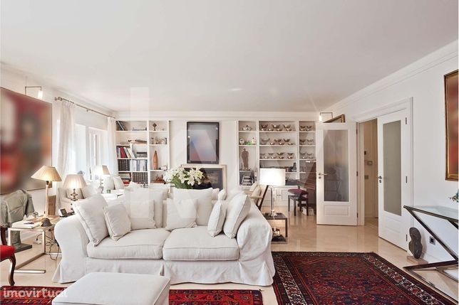 A magnificent apartment in the heart of Monte Estoril