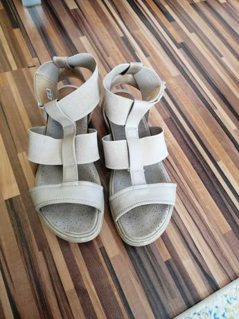Sandały Ecco Damara r. 38, raj dla stóp