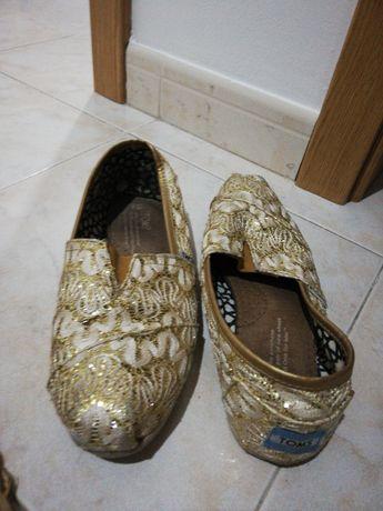 Sapatos toms t38