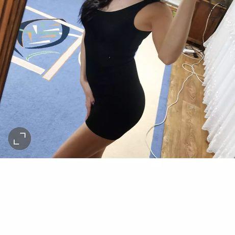 Платье-сарафан черное бренда Bershka