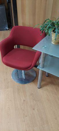 Кресло на металлической ножке