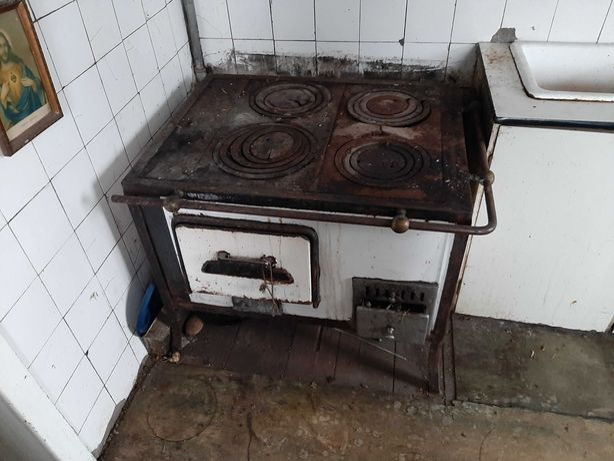 Piec / kuchnia węglowa z podkową/duszą biała z PRLu