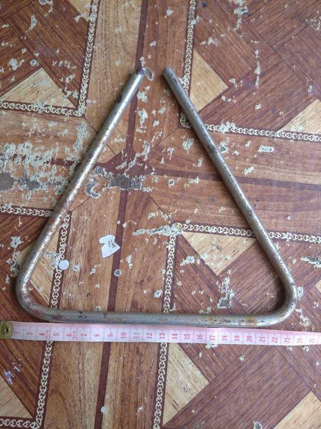 Продам музыкальный треугольник