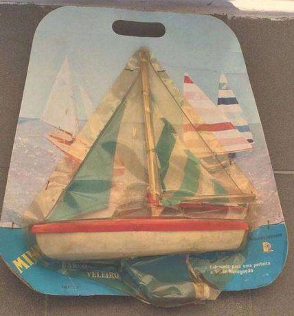 Rarissimo barco veleiro e mini prancha windsurf DA RADAR - Portugal