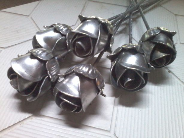 металеві троянди розы из металла букет кованные цветы ковка квіти