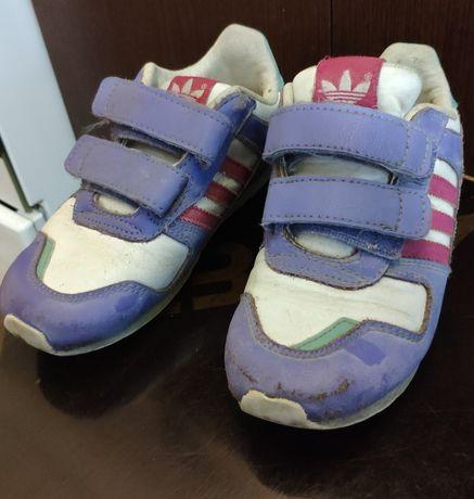 Детские кроссовки 27 размера